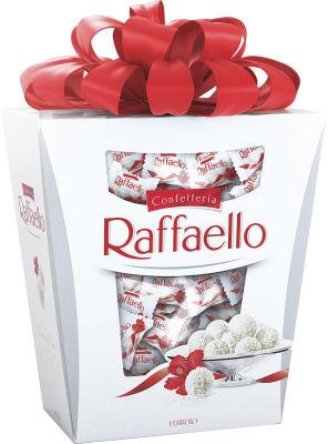 Конфеты Raffaello с цельным миндальным орехом в кокосовой обсыпке 500г